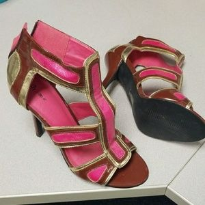 Promise size 8 pin and brown heels never worn